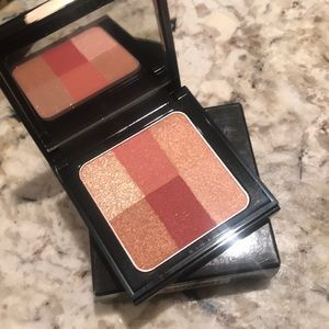 Bobbi Brown Makeup - Bobbi Brown Cranberry brightening Brick🌸buxom 💋